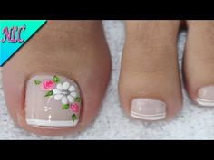 The advantage of the gel is that it allows you to enjoy your French manicure for a long time. There are four different ways to make a French manicure on gel nails. Pretty Toe Nails, Cute Toe Nails, Cute Toes, Pretty Toes, Toe Nail Art, Gel Nails, Pedicure Designs, Toe Nail Designs, Nagel Gel