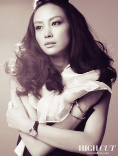 Lee Na-young (born February 22, 1979) is a South Korean actress. She is best known for her leading roles in Ruler of Your Own World (2002) and Someone Special (2004). Aside from acting, Lee is also famous for appearing in numerous commercials.Lee married actor Won Bin on May 30, 2015 in a small, private ceremony in a wheat field near an inn in Won's hometown Jeongseon, Gangwon Province. The couple belong to the same talent agency Eden 9, and reportedly began dating in August