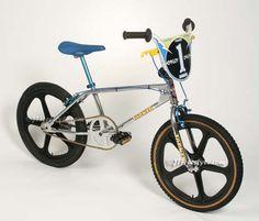 Haro Bikes, Haro Bmx, Vintage Bmx Bikes, Velo Vintage, Motocross Action, Bmx Cruiser, Cafe Bike, Bmx Freestyle, Bmx Bicycle