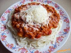 špagety s kuřecím masem a smetanou