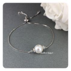 Pearl Bracelets, Strand Bracelet, Bridesmaid Bracelet, Wedding Bracelet, Maid Of Honour Gifts, Swarovski Pearls, Adjustable Bracelet, Party Gifts, Pearl White