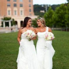 Aren't these two precious! #weddingdress #thevenue #thevenuebrides