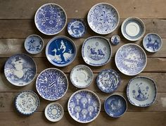 СТАРЫЙ ЧУЛАН — винтаж, антиквариат, ретро... Blue And White China, Blue China, Feng Shui, Plate Art, Plate Collage, Blue Plates, White Plates, White Dishes, Plate Display