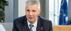 L'ex-ministre de Defensa de Letònia contesta a Margallo sobre 'els favors' contra Catalunya   VilaWeb