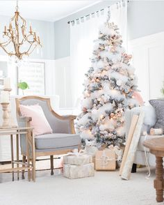 It's Christmas tree day! I love Christmas time Make sure you sign up to VIP for the 12 days of Xmas fun - discounts giveaways and promos happening in the VIP FB group! Tree inspo from @mscraftberrybush #yeahiwishthiswasmytree