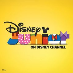 i absolutely LOVE the disney junior logo and how they incorporated all of the mickey mouse characters outfits into the type.