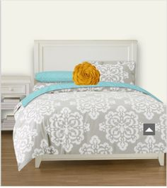 Dorm bedding- love the gray I really like this color combination!