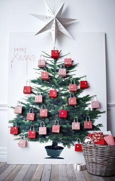 Advent calendar made from IKEA Christmas tree fabric Christmas Countdown, 2d Christmas Tree, Alternative Christmas Tree, Christmas Wall Art, All Things Christmas, Christmas Holidays, Christmas Crafts, Christmas Ideas, Green Christmas