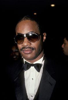 Stevie Wonder http://www.vogue.fr/culture/a-ecouter/diaporama/la-playlist-des-twins/18931/image/1004189#!la-playlist-des-twins-stevie-wonder-justin-nozuka