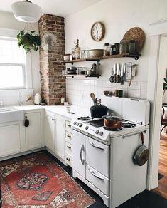 Kitchen Makeover Secrets That Will Save You Money #kitchen #kitchenideas  #kitchendecor