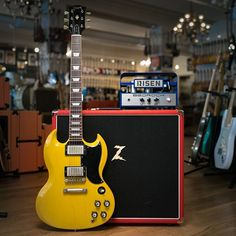 Chicago Music Exchange, the BEST guitar store in the world. Guitar Amp, Acoustic Guitar, Chicago Shopping, Gibson Les Paul, Epiphone, Guitar Design, Instruments, Music, Eye Candy
