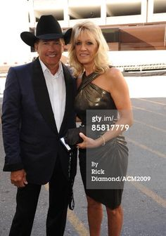 Musician George Strait and his wife Norma Strait pose backstage during the annual Academy Of Country Music Awards held at the MGM Grand on April 2009 in Las Vegas, Nevada. Country Musicians, Country Music Artists, Country Singers, Best Country Music, Country Music Stars, Country Girls, Country Man, Country Couples, George Strait Son