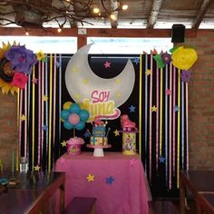 Acompañamos a mariana en la #celebración de sus #7años - #soyluna fue su #tematica #soylunacake #soylunaparty #fiestasoyluna #fiesta #cumpleaños #cumpleañosinfantiles #decoracionesinfantiles #decoracion #fiestasbogota #decoracionbogota #globos #centerpiece #centrodemesa #backpacking #globos #ponque #party #patines #tortas #fiestapersonalizada #floresdepapel Sailor Moon Birthday, Sailor Moon Party, Roller Skating Party, Skate Party, Cumpleaños Soy Luna Ideas, Moana Party, Bday Girl, Sleepover Party, Ideas Para Fiestas