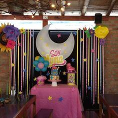 Acompañamos a mariana en la #celebración de sus #7años - #soyluna fue su #tematica #soylunacake #soylunaparty #fiestasoyluna #fiesta #cumpleaños #cumpleañosinfantiles #decoracionesinfantiles #decoracion #fiestasbogota #decoracionbogota #globos #centerpiece #centrodemesa #backpacking #globos #ponque #party #patines #tortas #fiestapersonalizada #floresdepapel
