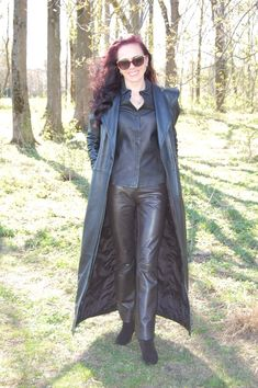Long Leather Coat, Leather Pants, Rubber Raincoats, Fall Outfits, Fashion Outfits, Rain Wear, Leather Fashion, Female, Sexy