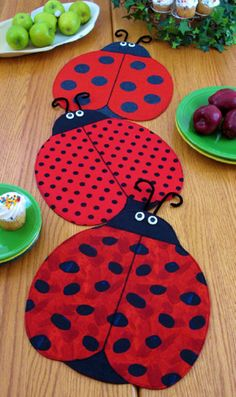 I can Make these out of paper.....The Ladies Table Runner Pattern to Make DIY Sewing Suzy Shore Designs Placemats. $9.00, via Etsy.