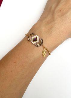 Bracelet Géométrique Perles Tissées et Petite Feuille Plaqué Or 16k