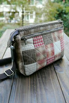 Taschen nähen Sewing bags small fabrics Ideas Tips to increase aesthetic sense of homes Home dec Japanese Patchwork, Japanese Bag, Patchwork Bags, Quilted Bag, Creation Couture, Purse Patterns, Fabric Bags, Diy Bags, Small Bags