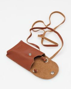 Iphone Leather Case, Leather Pouch, Leather Tutorial, Satchel, Crossbody Bag, Girls Bags, Cute Bags, Leather Working, Small Bags