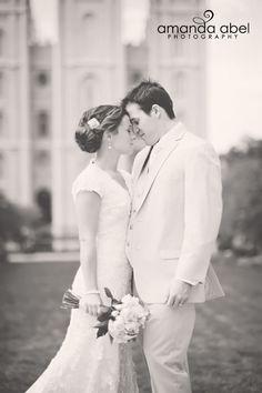 Fall LDS Temple Wedding | Utah Wedding Photographer | Bride and Groom | Salt Lake Temple | Amanda Abel Photography | www.amandaabelphoto.com #ldstemplewedding