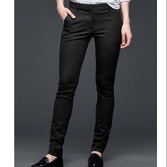 ❗️LAST CHANCE GAP Black Pants NWT ❗️LAST CHANCE GAP Black Pants Size 2. NWT retails $80. Im having a huge Moving Closet Cleanout Sale! Snatch it up before someone else does! ASAP shipping! Extra 30% off on bundles! I consider reasonable offers so make an offer! GAP Pants
