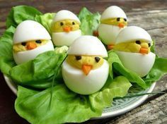 Gevulde eieren voor de paasbrunch Cute Food, A Food, Good Food, Food And Drink, Yummy Food, Easter Recipes, Appetizer Recipes, No Cook Meals, Kids Meals