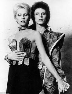 A androginia de David Bowie e sua influência nas bandas de Rock