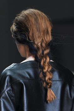 Braids at Jean Pierre Braganza Beauty A/W / Hair inspiration My Hairstyle, Messy Hairstyles, Pretty Hairstyles, Cut Her Hair, Hair Cuts, Runway Hair, Twist Ponytail, Hair Arrange, Editorial Hair