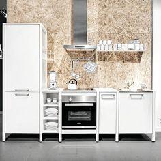 Sieht ja aus, als könne man die gleich mitnehmen. Klappt. Fast. 9 Tage Geduld. Und sie war eben noch im Showroom Münster. Und ist jetzt bei dir.  #küchendesign#kitchenonline#modern#Tischmanier#kitchen#furniture#design #madeingermany#muenster