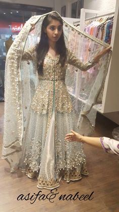 Email at clothing.dahlia@gmail.com or dm for queries and order For heavy made to measure bridal and party wear at affordable prices follow @dahlia_bridals on Instagram we ship worldwide Bridal Mehndi Dresses, Indian Gowns Dresses, Pakistani Dresses, Shadi Dresses, Bride Dresses, Dulhan Dress, Walima Dress, Pakistani Couture, Pakistani Dress Design