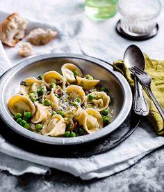 Australian Gourmet Traveller recipe for pea tortellini. Tortellini, Orzo, Pasta Party, Orange Chicken Crock Pot, Vegetable Pasta, Pasta Dishes, Pasta Food, Chicken Pasta, Pasta Recipes