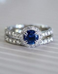 """Would you say """"yes"""" to this sparkling sapphire set?"""