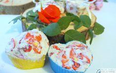 Różane mydełka DIY prosty przepis Diy, Desserts, Food, Tailgate Desserts, Deserts, Bricolage, Essen, Do It Yourself, Postres