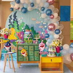 Decoração para festa Baby Shark: Dicas e Inspirações aqui!  #festainfantil #babyshark #babysharkparty 2nd Birthday Party For Girl, Second Birthday Ideas, Fourth Birthday, Birthday Party Themes, Dyi Decorations, Balloon Decorations, Birthday Background, Shark Party, Baby Shark