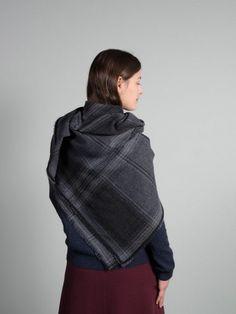 WOLFEN GERMANY March shawl