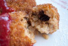 Receta de cocina:  Croquetas de arroz con leche, con salsa de fresas
