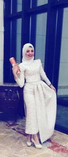 Hijab Gown, Hijab Evening Dress, Hijab Dress Party, Hijab Style Dress, Casual Hijab Outfit, Evening Dresses, Muslimah Wedding Dress, Hijab Wedding Dresses, Modest Dresses