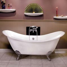 pper Clawfoot Tub (Brushed Nickel Ball Feet / No Tap Holes)