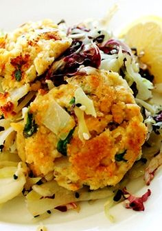 Crunchy cabbage and lightly sautéed savory cakes made of chickpeas ...