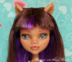 Video Clawdeen wolf repainting doll Monster high