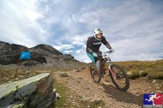 Guide to 5 cheap downhill mountain biking holidays in France. Low cost downhill MTB holidays in France at the best French bike parks from Morzine to Tignes Mountain Biking, Mountain Climbing, Mtb, Exercise Physiology, Muscle Recovery, Workout Regimen, Life Is Like, Fit Chicks, Cool Bikes