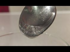 ▶ Cómo hacer pegamento comestible para fondant | Trucos para Fondant por Azúcar con Amor - YouTube