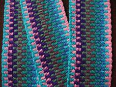 Inkle Loom weaving with a pattern generator! Neat!! :D
