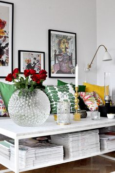Just tidied up & I'm feelin' goood. Colourful Living Room, Living Room Colors, Home Interior, Living Room Interior, Cool Rooms, House Colors, Home And Living, Interior Inspiration, Home Accessories