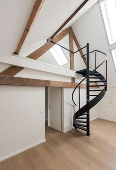 Garage To Living Space, Living Spaces, Interior Styling, Interior Design, Attic Apartment, Contour, Interior And Exterior, Tiny House, New Homes