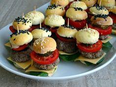 Mini Appetizers, Party Snacks, Food Design, Diy Food, Salmon Burgers, Italian Recipes, Tapas, Catering, Food Porn