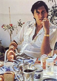 Bryan Ferry eating breakfast, by Jeff Houck.