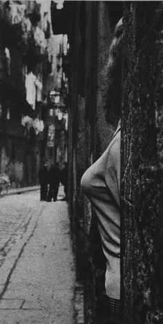 Joan Colom, Gente del Raval Colom spent three years surreptitiously photographing Barcelona's red light district. From he fo. Monochrome Photography, Love Photography, Black And White Photography, Street Photography, Barcelona, Vintage Pictures, Old Pictures, Brassai, B 13