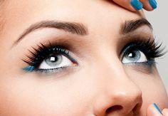 En muchas ocasiones las mujeres se dejan llevar por el rush de su día a día y descuidan algunos detallitos súper importantes en cuanto al maquillaje como lo es el caso específico del relleno de las cejas. Unas cejas bien definidas marcan la diferencia de todo buen maquillaje ya que todos los elementos de tu rostros deben visualizarse contemplado del todo, niguna de las partes debe estar más enfatizado o ... Read More