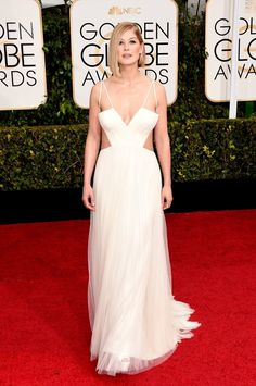 Pin for Later: Check Out All the Stars on the Golden Globes Red Carpet! Rosamund Pike